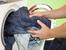 Как правилно да перем дънките, за да се запазят задълго