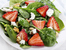 Пролетна салата със спанак и ягоди