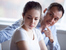Признаци, че партньорът ви упражнява емоционален контрол