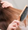 Колко често да почиствате четката за коса