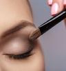 5 грешки в грима, които може да навредят на очите ви