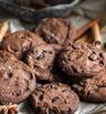 Какаови бисквити с шоколадови парченца