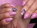 Флорални мотиви върху ноктите