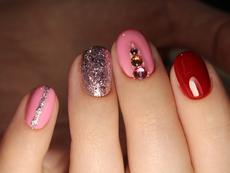 Красиви идеи за маникюри с лилаво и розово