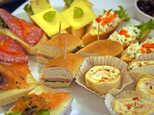 Красиви сандвичи за щуро парти